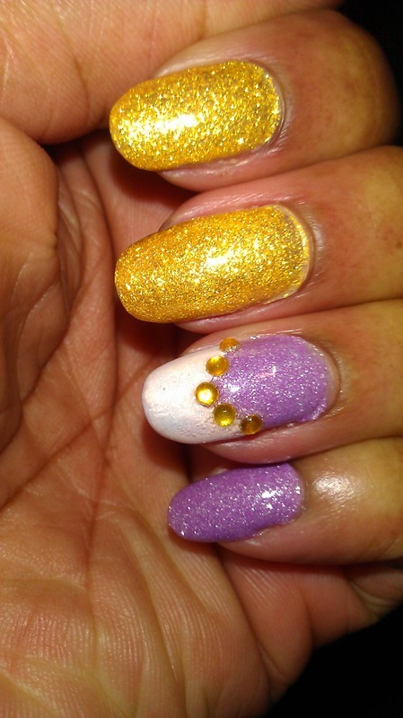Sunny nail art by Jackie Bodick