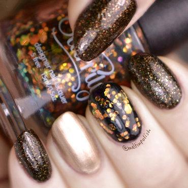 A Gold Thing nail art by Meltin'polish