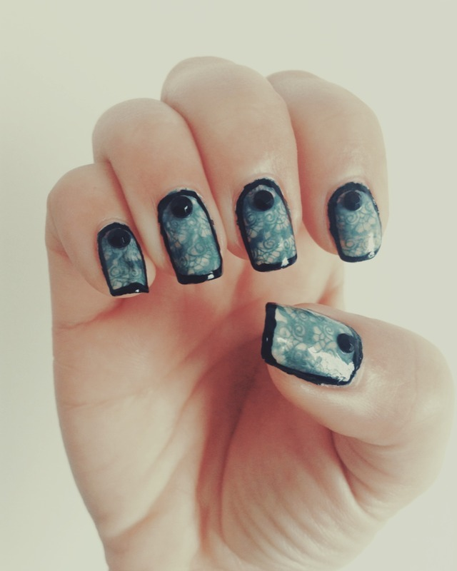 Teal Lace Shoes nail art by Idreaminpolish