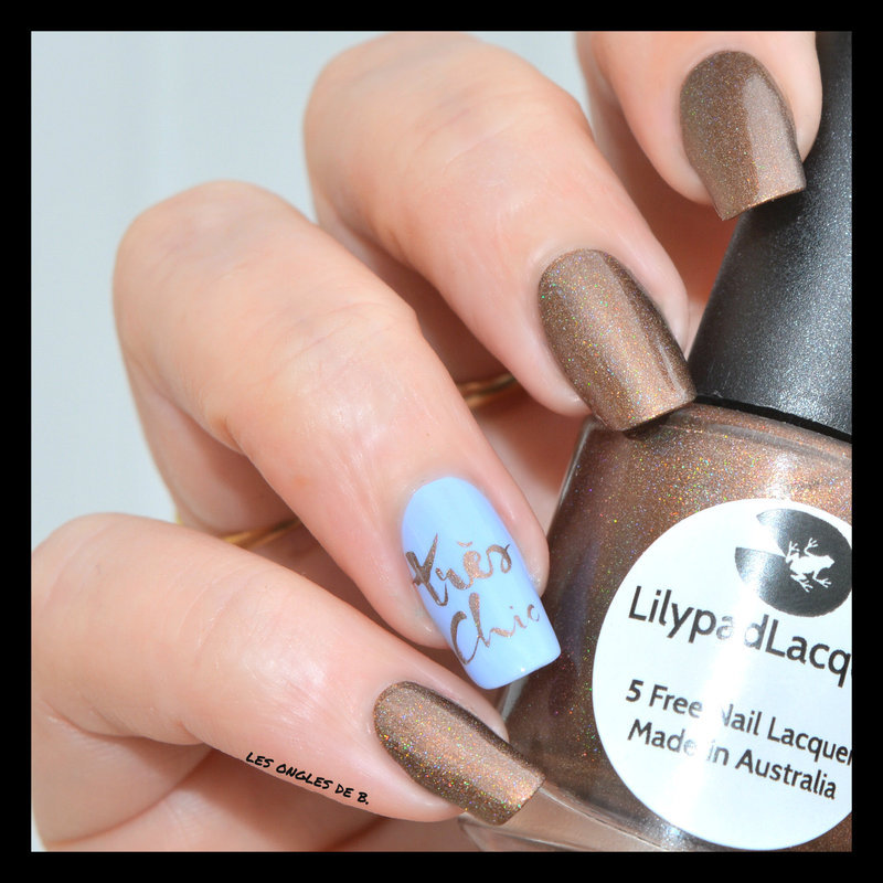 So Chic... nail art by Les ongles de B.