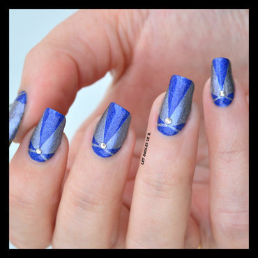 Stripping Tape in blue nail art by Les ongles de B.