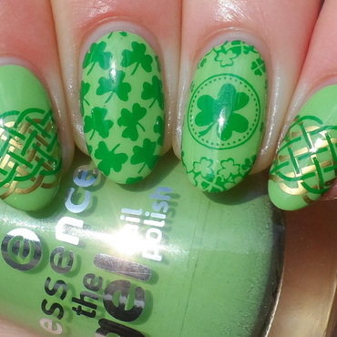 St. Patrick's Day nail art by Plenty of Colors