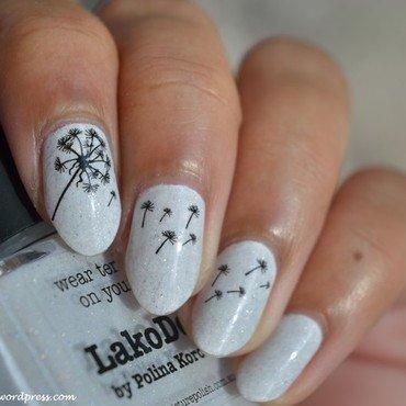Dandelion nail art by MimieS Nail