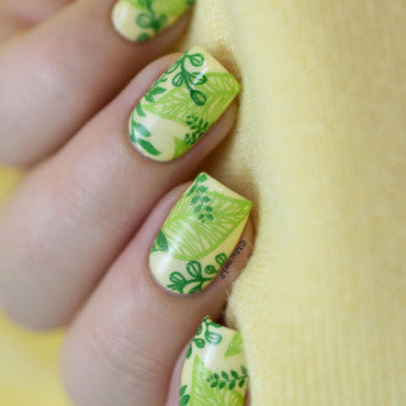 Spring leaves nail art 20 4  thumb370f