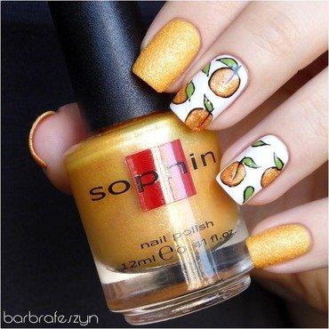 Fresh peach nail art by barbrafeszyn