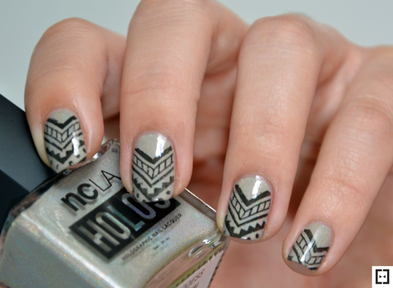 Aztec topa stamping  nail art by Sweapee