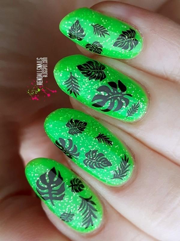 Leaves nail art by Julia Friedel