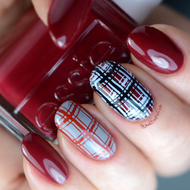 Red Kilt nail art by Meltin'polish