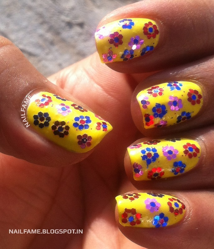 GLITTER FLOWER nail art by Nailfame