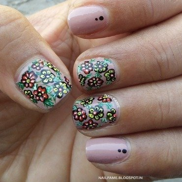 FLOWERS nail art by Nailfame