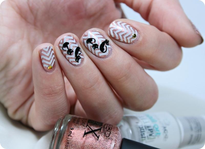 Chevron holo cat nail art by Romana