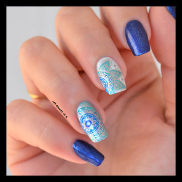 Stamping in blue nail art by Les ongles de B.