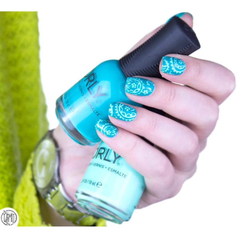 Green floral nails nail art by Paulina