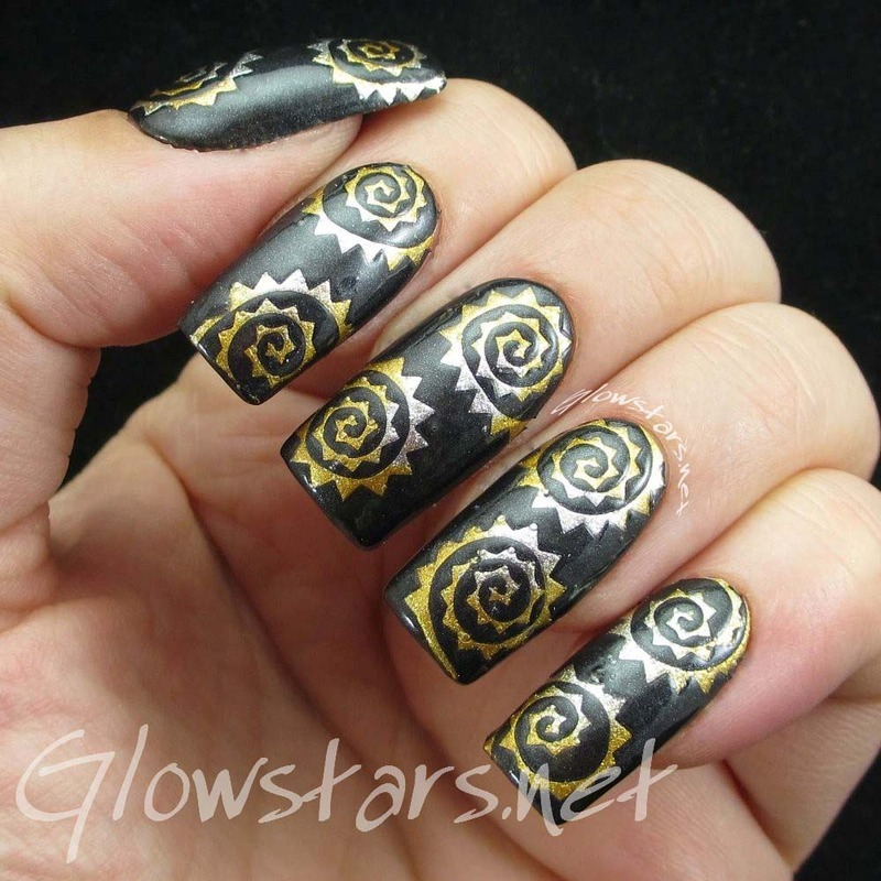 Metallic spike spirals nail art by Vic 'Glowstars' Pires