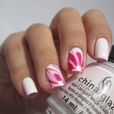 Spring water marble nail art by Marina