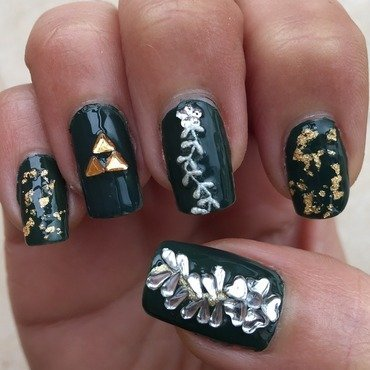Legend of Zelda  nail art by Idreaminpolish