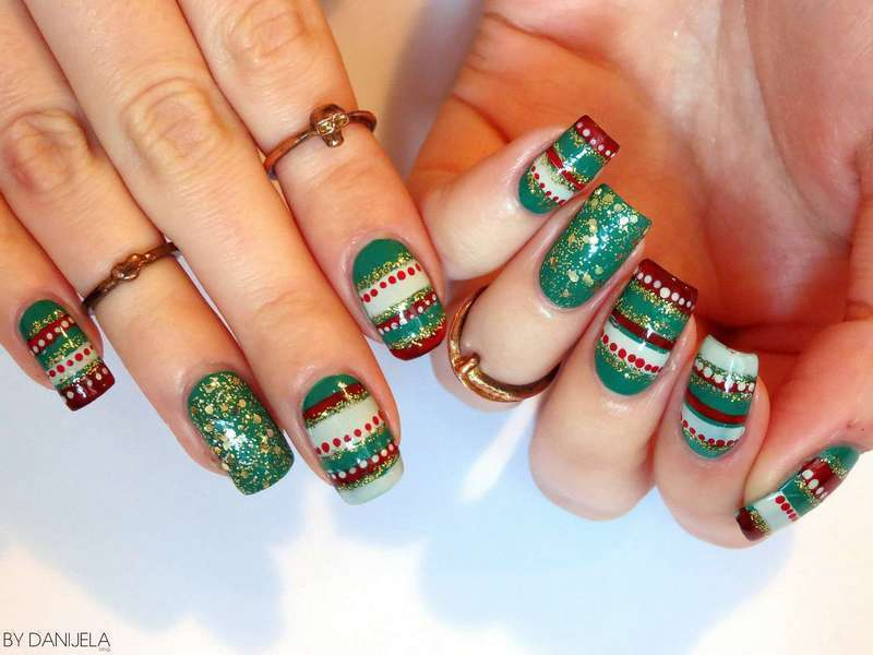 Ugly sweater nails nail art by bydanijela