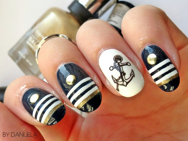 Hello, Sailor! summer manicure nail art by bydanijela