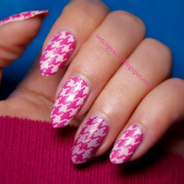 Houndstooth  nail art by notcopyacat