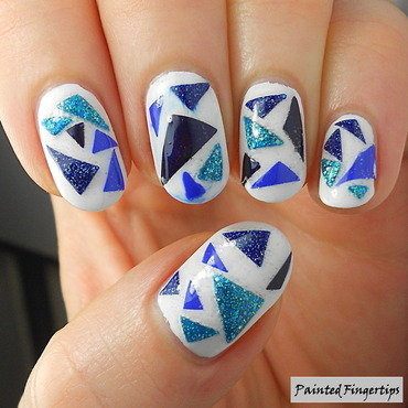 Do-it-yourself triangle decals nail art by Kerry_Fingertips