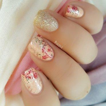 Soft rose nail art by Valentina