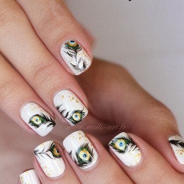 Plumes de paon minimalistes nail art by Tenshi_no_Hana