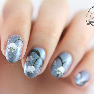 Lily of the Valley nail art by Tenshi_no_Hana