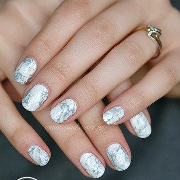 Pierre marbrée nail art by Tenshi_no_Hana