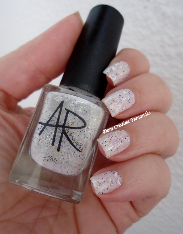 Alanna Renee Hedwig ( Magical World Collection ) Swatch by Dora Cristina Fernandes
