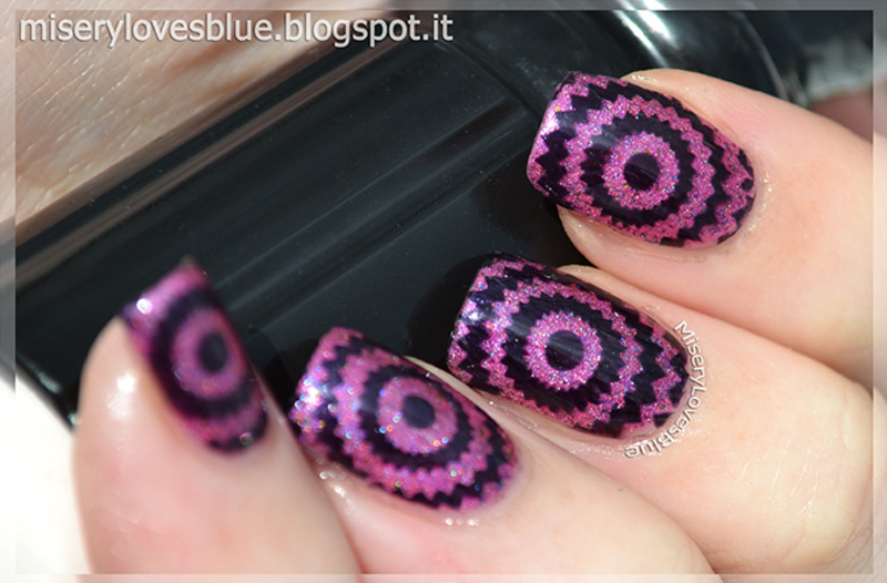 Going Optical pt.01 nail art by MiseryLovesBlue
