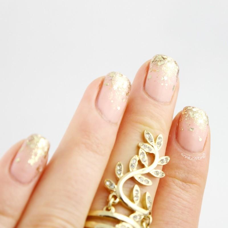 Gold Glitter Gradient on HCA nail art by Ann-Kristin