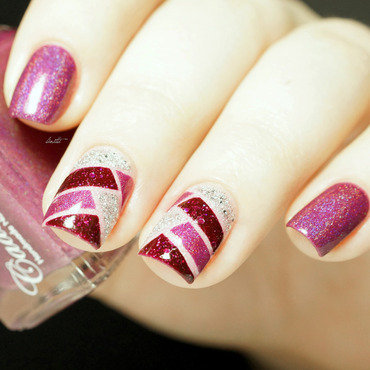 TRIO nail art by Linitti