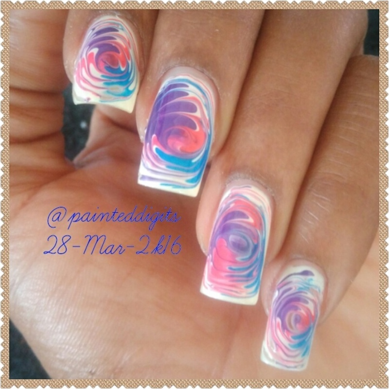Drag Marble Swirl nail art by Painted Digits