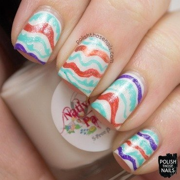 White spring wavy stripes shimmer nail art 4 thumb370f