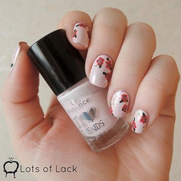 Little Flowers And Golden Flakes nail art by LotsOfLack