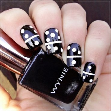 Matching manicures black and white 2 thumb370f