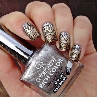 Metallic floral nails nail art by Sanela