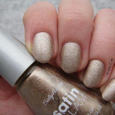 Sally Hansen Satin Glam 01 go gold Swatch by Nail Crazinesss