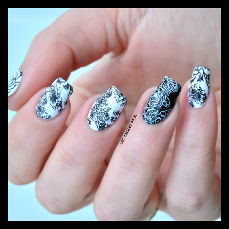 Flower white&black nail art by Les ongles de B.