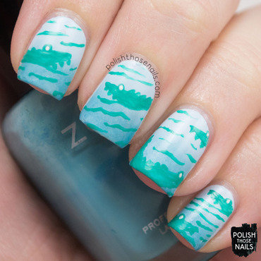 Light blue gradient alligator pattern nail art 4 thumb370f