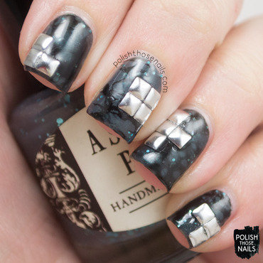Grey black waterspotted stud nail art 4 thumb370f