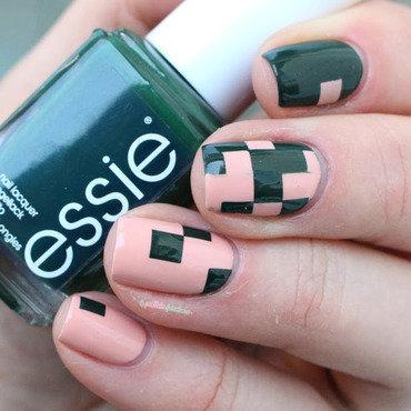 Pixel ! nail art by nathalie lapaillettefrondeuse