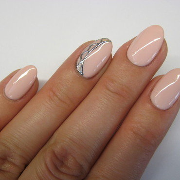 Nude #2 nail art by specialle