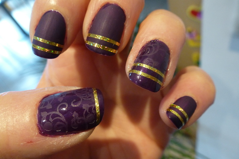 Purple gold nail art by Barbouilleuse
