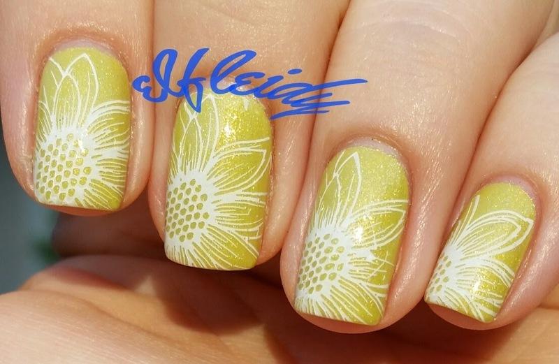 Daisies nail art by Jenette Maitland-Tomblin