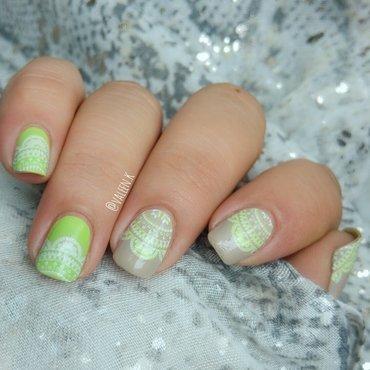 Green lace nail art by Valentina