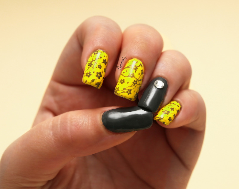 Yellow & grey nail art by Nanneri