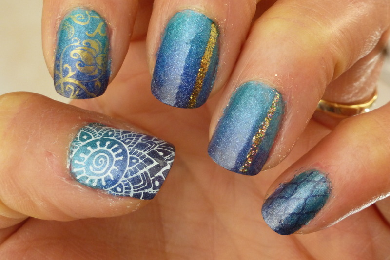 Deep sea dressed up nail art by Barbouilleuse