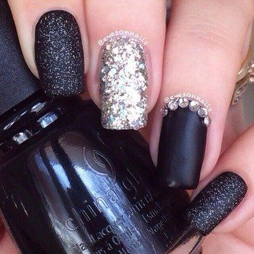 Black 'n' blingy  nail art by Virginia