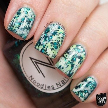 Green glitter jelly waterspotted rough monochrome nail art 4 thumb370f